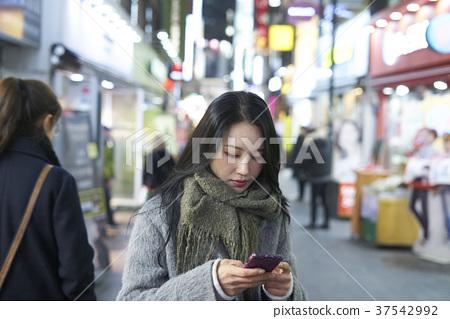 서울 명동 밤거리 37542992