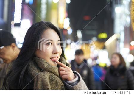 서울 명동 밤거리 37543171