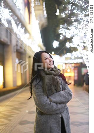 서울 명동 밤거리 37543181