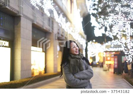서울 명동 밤거리 37543182