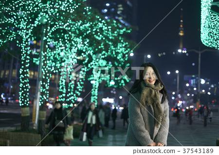 서울 명동 밤거리 37543189