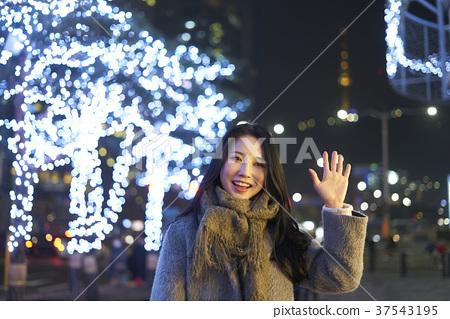 서울 명동 밤거리 37543195
