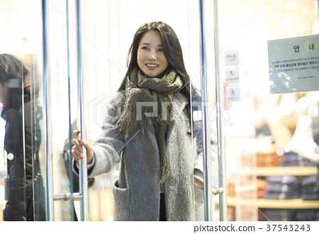 서울 명동 밤거리 37543243