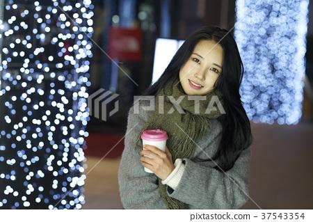 서울 명동 밤거리 37543354