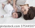 엄마와 아기 37544507