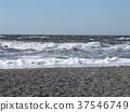 白色在Inage海岸揮動在一個大風天 37546749