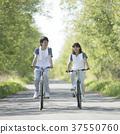 자전거를 타는 커플 37550760