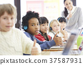 小學生 老師 教師 37587931