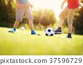 足球 儿子 管理人 37596729