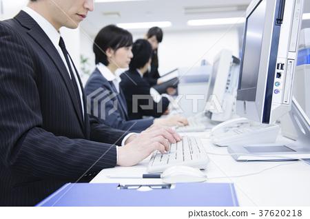 辦公室的商人 37620218