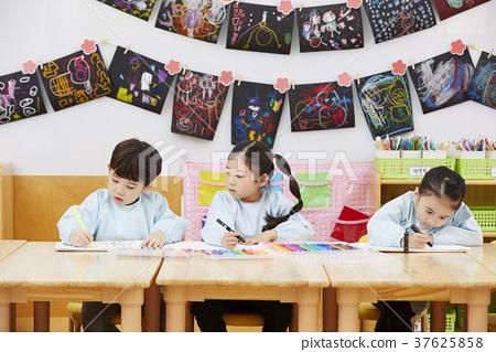 어린이,유치원생,유치원,한국인 37625858