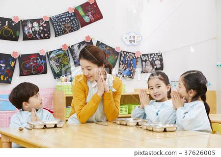 幼兒園,幼兒園,兒童,老師,韓語 37626005