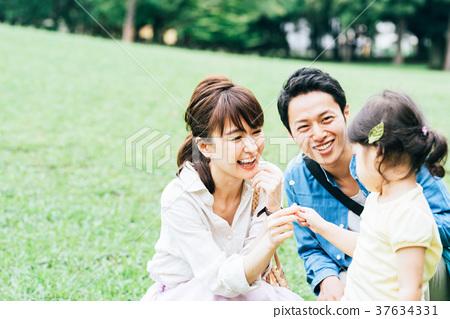 가족 공원 외출 37634331