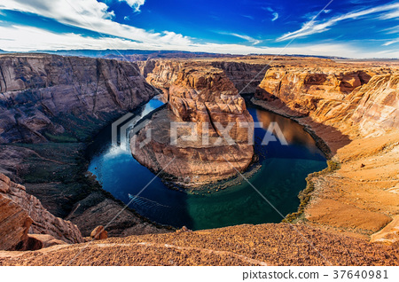 Horseshoe Bend in day light near Page, Arizona USA 37640981