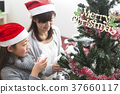 裝飾樹的家庭 37660117