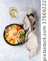 Vongole in sauce 37669222