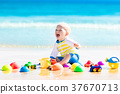 beach, kid, playing 37670713