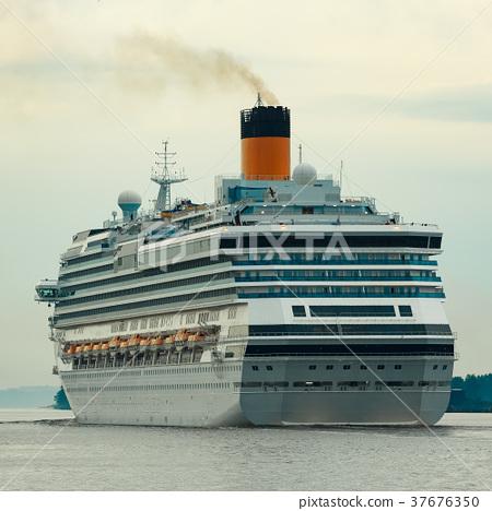 Large royal cruise liner 37676350