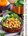 Butternut squash, bacon, spinach and feta salad 37677279