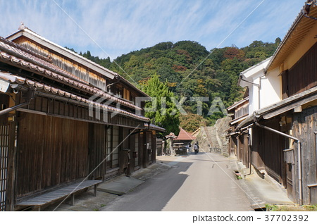 Iwami Ginzan Townscape 37702392