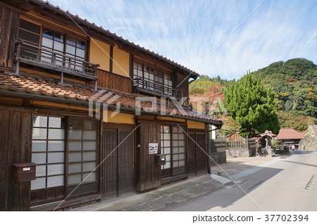 Iwami Ginzan Townscape 37702394