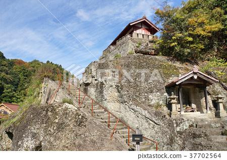 Iwami Ginzan Townscape(Kanjyoji Temple) 37702564