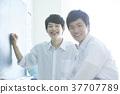 男生 兩個人 學習 37707789