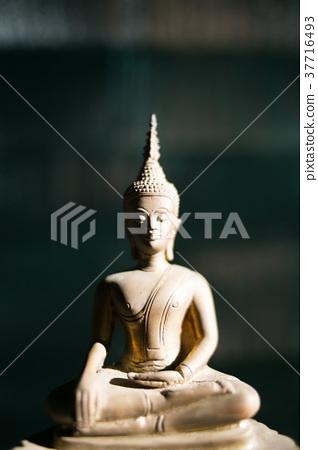 buddha bronze 37716493