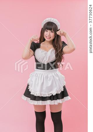 black maid cosplay cat pose  stock photo 37730624  pixta