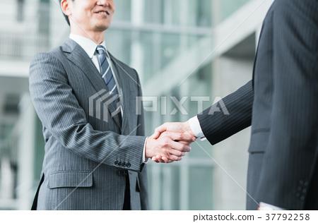 Handshake 37792258