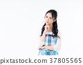 主婦 家庭主婦 一個年輕成年女性 37805565