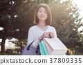 成熟的女人 一個年輕成年女性 女生 37809335