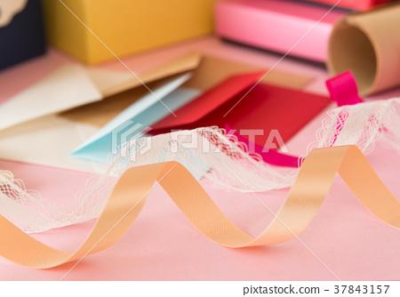 포장 용품 여러가지 레이스 리본 포장지 선물 선물 포장 37843157