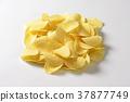 Salted potato crisps 37877749