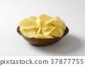 Salted potato crisps 37877755