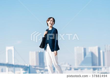 中間商界女強人 37881494