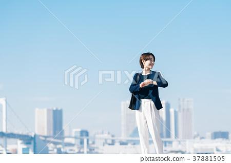 中間商界女強人 37881505
