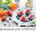 蛋糕 巧克力蛋糕 草莓蛋糕 37897052