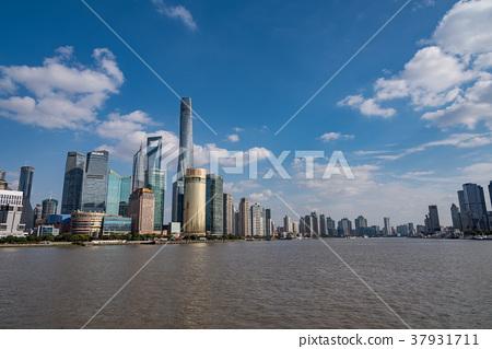 中國,上海摩天大樓白天 37931711
