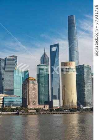 中國,上海摩天大樓白天 37931726