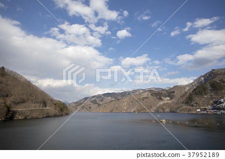 kusaki lake, gunma prefecture, midori 37952189