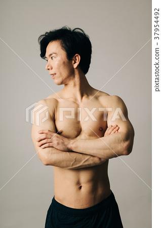 남자 선수 알몸 육체미 37954492