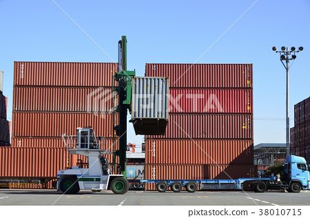 Container and top lifter - Stock Photo [38010715] - PIXTA