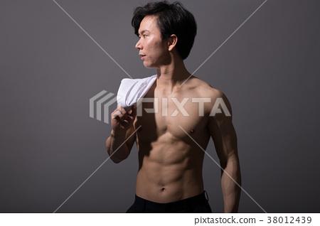 알몸의 일본인 남성 근육 보디 빌더 38012439
