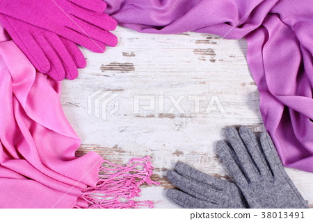 Frame of woolen gloves and shawl for winter 38013491