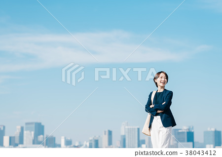캐주얼 정장 미들 여성 푸른 하늘 38043412