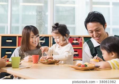 유치원 보육원 38061982