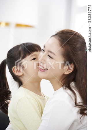 Housing, Life, Family, Mother, Daughter, Korean 38082772
