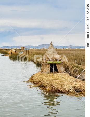 Uros Islands on Lake Titicaca in Peru 38084099