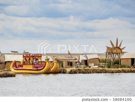Uros Islands on Lake Titicaca in Peru 38084100